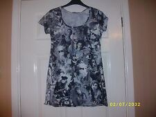 Ladies Black and White Top Size 12 from Pilot
