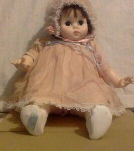 Vintage Madame Alexander Doll. Mary Mine Baby. Auburn Hair Sleep Eyes Cloth Body