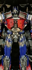 Weijiang BlackApple Thunder Leader Optimus Prime