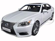LEXUS LS600hL WHITE PEARL 1/18 DIECAST MODEL CAR BY AUTOART 78843