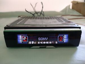 SONY CDX-CA850X FM/AM Compact Disc Player (No have control) good working condit