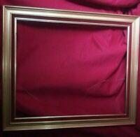 Cadre de tableau doré et rouge XX siècle Dim:78 cm x 66 cm