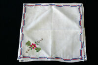 FOUR VINTAGE 1940'S OFF WHITE LINEN EMBROIDERED NAPKINS