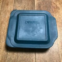 Vintage Pyrex 222 Square ribbed baking dish with easy grab cover