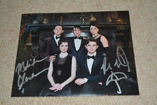 ROBIN LORD TAYLOR & MELINDA CLARKE signed Autogramm In Person 20x25 cm GOTHAM