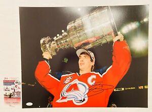 Joe Sakic Signed 16x20 Photo JSA Coa Avalanche Stanley Cup