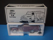 First Gear 1/34 Atlantic City Mobil Gas 1951 Ford F-6 Fuel Tanker Bank 29-1751