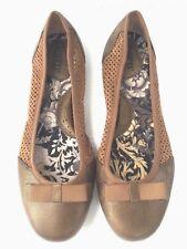 BORN Ballet Flats Shoes Women's Size 8.5M Brown Bronze Bow Cut-Out Detail