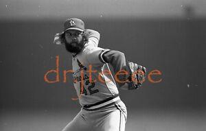 Bruce Sutter ST LOUIS CARDINALS - 35mm Baseball Negative