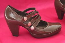 CLARKS shiny  leather ladies  shoes heels size 5