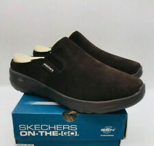 Skechers Women's On The Go Joy Snuggly Water-Repellent Suede Clogs Chocolate