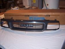 1994 - 1997 GMC Jimmy Sonoma Front Grille NOS