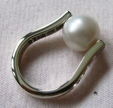 Akoya AAgrade pearl 10/mm/M1/2/pearl can be rolled/18kk white gold/cz shank