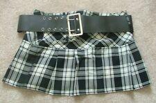 Ladies Negro Blanco Cuadros Tartán Plisado Mini falda con cinturón UK12 EU40