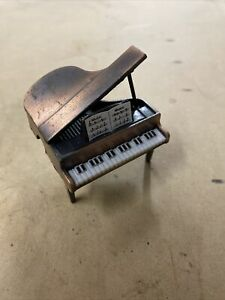 ORIGINAL VINTAGE Retro Pencil Sharpener Piano Grand Desk Item