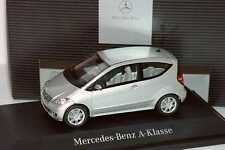 MERCEDES BENZ A KLASSE 2005 POLAR SILVER SCHUCO B66961986 1/43 3 TURER W169