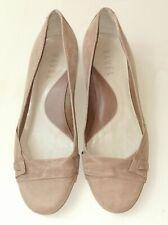Vintage Ravel Tan Kitten Heel Shoes Size UK 5