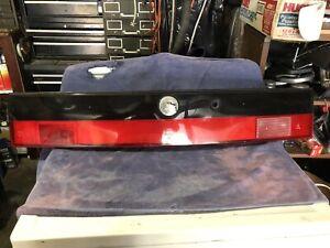 SAAB 9000 CENTER HATCH TRUNK LID TAILLIGHT TAIL LIGHT BACK FINISH PANEL LAMP CAR