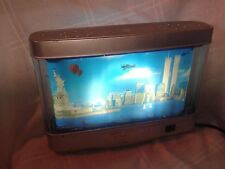 NOVELTY TABLE LAMP -  NEW YORK MOVING SCENERY BEFORE 9-11