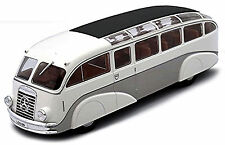 Mercedes Benz LO 3100 L 59 Líneas de Omnibus 1935 blanco + plata 1:43 Ixo-Atla