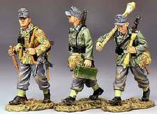 KING & COUNTRY WW2 GERMAN ARMY WS119 INFANTRY ON THE ROAD MIB