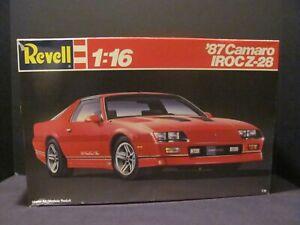 Revell 1987 Chevrolet Camaro IROC-Z 1/16 Scale Model Kit, Near Mint, Complete!!