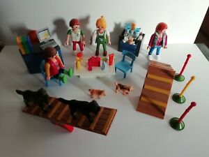 PLAYMOBIL - PET BEAUTY AND TRAINING PARLOUR WITH ACCESSORIES