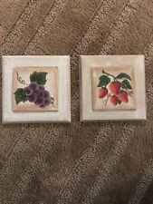 Two-hanging WOOD Decorative FRUIT Wall Pictures/placard STRAWBERRY & GRAPES NEW