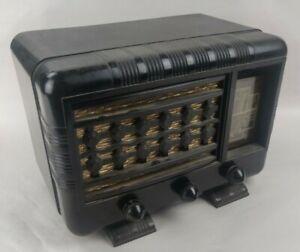 WW2 WWII Era German Made NORA 441 - P.M Table Model Radio W/ Bakelite Case