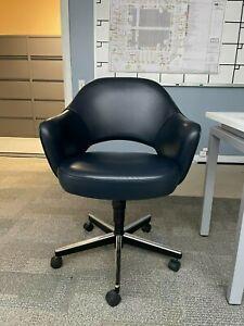 Knoll Saarinen Executive Chair w/ Swivel Base - Sabrina Leather, Marine Blue