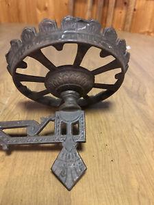 Antique Cast Iron Arm Wall Mount Bracket Vermont Farm House Oil Kerosene Lamp