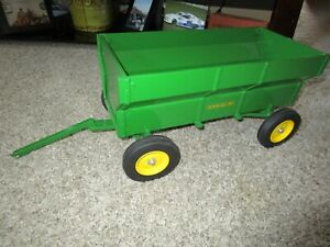 John Deere Farm Toy Rare 1/8th Scale Flare Bed Wagon Displayed Only