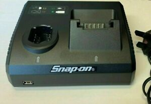 SNAP ON 14.4V-18V Dual Bay Lithium-Ion Battery Charger CTC131 with usb port..