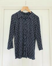 Navy and white patterned size 18 lightweight blouseCrinkle effect Button front