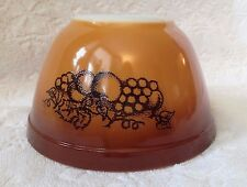 Retro PYREX '74-7,8; Old-Orchard on O-W M-G Small Round Nesting Mixing-Bowl; 401