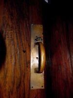 13879/ VINTAGE BRASS DOOR HANDLE / PULL ~ Architectural Savage ~ antique