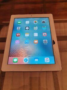Apple iPad 2nd Generation 32GB, Wi-Fi + Cellular - Unlocked - White - Bundle