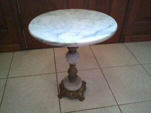 VINTAGE BEAUTIFUL MARBLE & BRASS COFFEE TABLE / LAMP TABLE /SIDE/PLANT TABLE