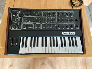 Sequential Circuits Pro-One synthesiser - class!