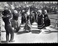 """AURILLAC (15) Danse du FOULARD , traditionnelle costumée """"BOURREE D'AURILLAC"""""""