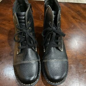 Clarks 16724 Womens Soft Cushion Black Leather Zip Ankle Lace Up Boots Sz. 8.5 M