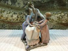 """Lladro A Gift of Love 5596 Mother/Boy/Girl/Children """"Perfect"""" Gift"""