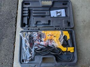 Brand new Dewalt Corded Rotary Hammer Kit # D25263