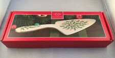 New in Box Lenox Holiday Dessert Server Holly and Berries Gold Trim On Handle