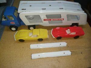 Mini Tonka Car Hauler / Car Carrier (Canada Oval) w/ 2 Corvettes & Ramos