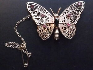 Beautiful 9ct Gold Butterfly Brooch With Sapphire Body & Ruby Wings