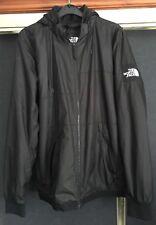 La chaqueta tamaño mediano Northface Negro Lable Parche en brazo Con Capucha