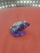 FENTON ART GLASS  PURPL  FROG FIGURINE HANDPAINTED IN GOOD PRE OWNED CONDITION.