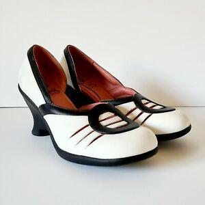 John Fluevog Retro Vintage White Black Leather Wedge Heels Size 9