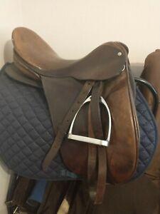 17 In Country Saddlery English dressage Saddle